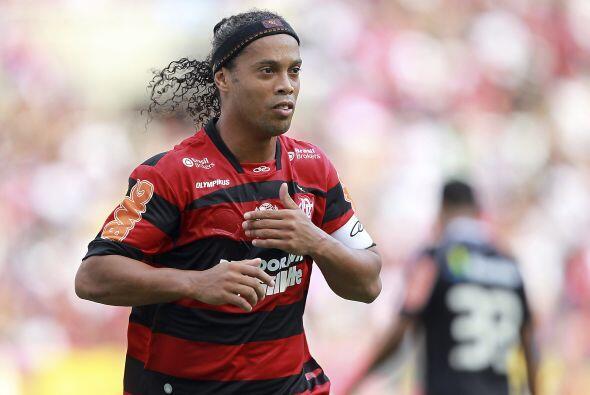 Ronaldinho volvió de Italia para jugar al Flamengo y mostró nuevamente s...