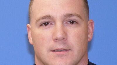 El policía del condado de Suffolk Christopher McCoy fue arrestado este j...