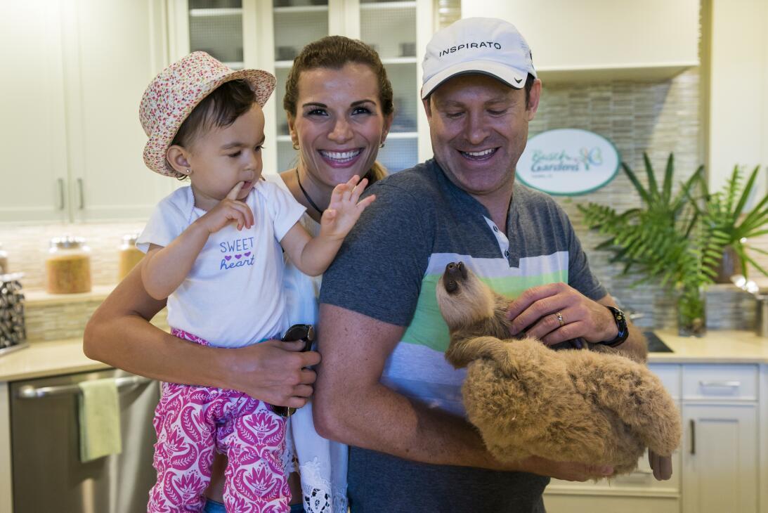 Michelle hija de Alan Tacher en el zoo