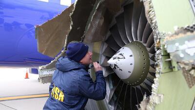 Los investigadores de la Mesa de Seguridad Nacional de Trasportación en...