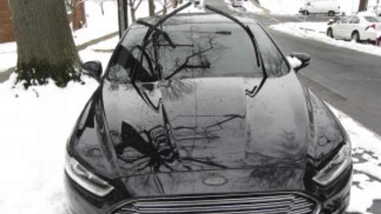 Si en invierno enciendes tu carro un rato antes de salir de casa, es hor...