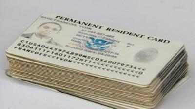 Green Card o Tarjeta Verde, documento que acredita la residencia legal p...