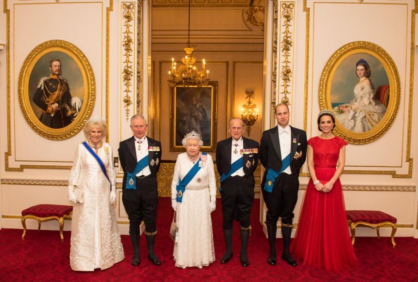 Los 50 mejores vestidos que usó Kate Middleton en 2016 GettyImages-62869...