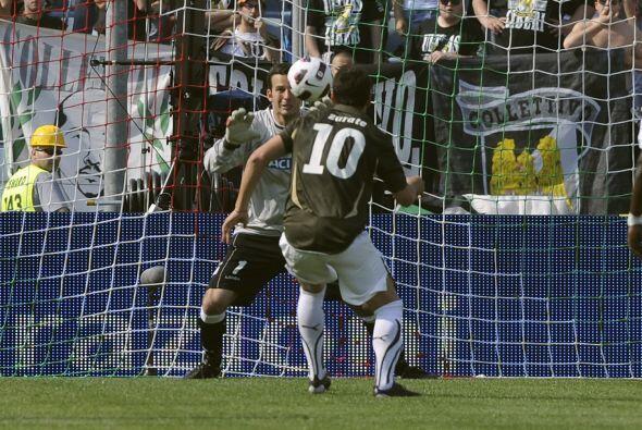 Sin embargo, Zárate falló y el marcador se mantenía 2-0 al minuto 67.