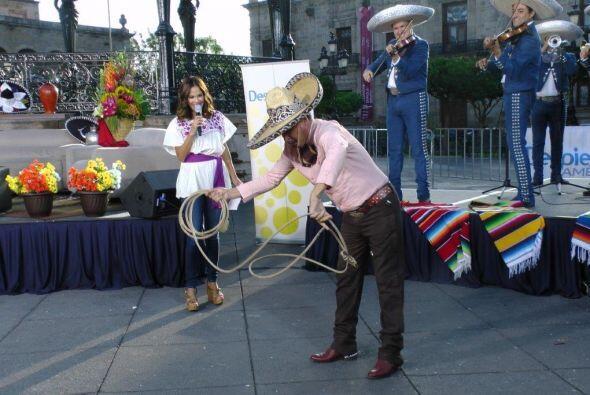 Karla estaba feliz de revivir sus tradiciones y aprender a florear la re...