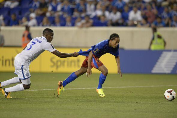 El partido fue sumamente reñido y con pocas oportunidades de gol.