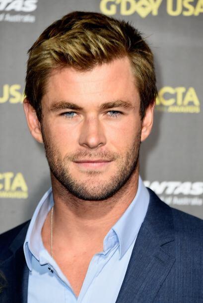 Chris Hemsworth constantemente cambia su look, pero sabe que su barba ll...