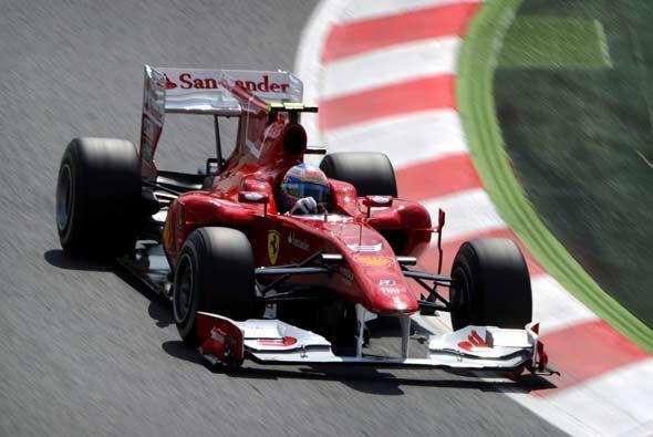 Alonso tuvo un buen papel en su casa pero no logró alcanzar a Webber.