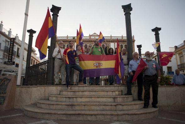 Algunos vieron con bueno ojos una transición en la monarquía española.