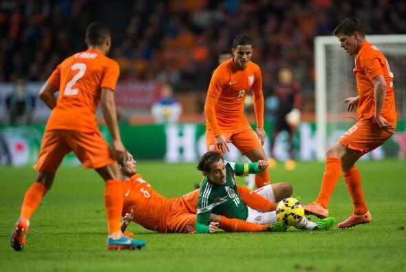 El partido comenzó con mucha presión de los holandeses aunque con poca p...
