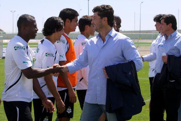 El cuerpo técnico nacional saludó a todos los jugadores santistas, tanto...