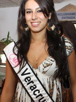 Del puerto de Veracruz, Fabiola Pinal Montesinos, nació hace 20 años en...