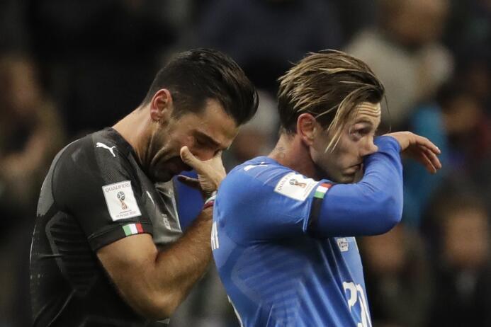 Desde 1958 Italia no se quedaba por fuera de un Mundial de fútbol, por l...