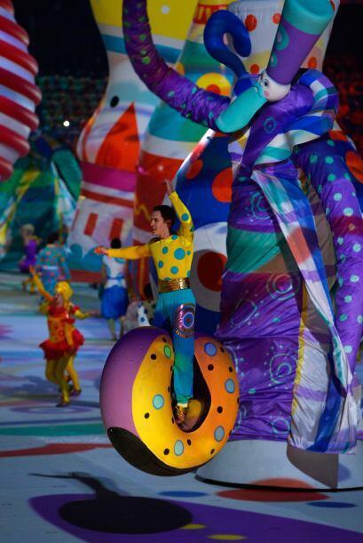 Participaron más de tres mil jóvenes bailarines, músicos, acróbatas y ar...