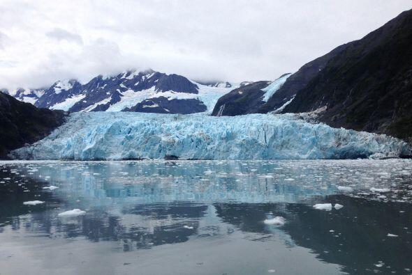 Además, también sobrevolaron el glaciar Colony en el lago George.