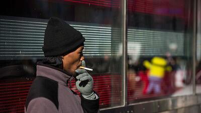 Una serie de propuestas legislativas busca reducir el uso de tabaco en l...