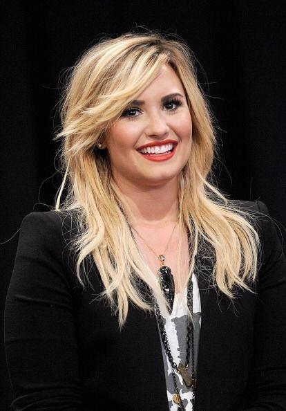 Otra talentosa mujer que renovó su 'look' este año fue Demi Lovato. Este...