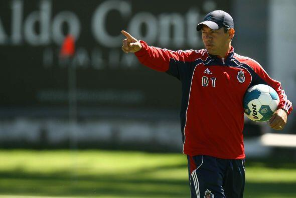 Ignacio Ambriz asumiría el reto de entrenar a las Chivas. Su mandato no...