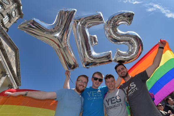 Después de que la gente votara en Irlanda a favor de las uniones...