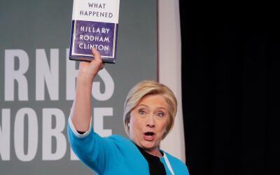 Hillary Clinton en la presentación de su nuevo libro en una libre...