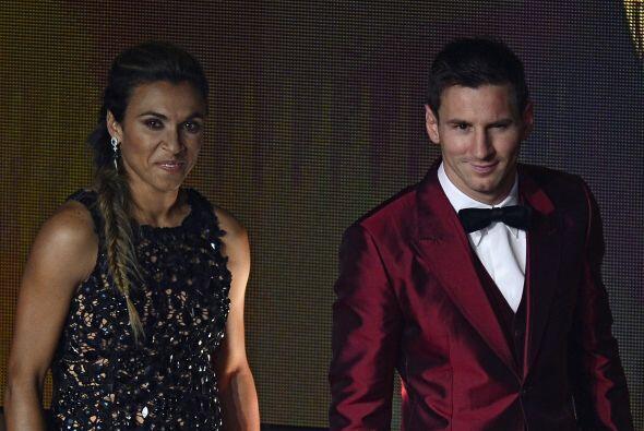 Lionel Messi tampoco podía faltar, aquí se ve al lado de la brasileña Ma...