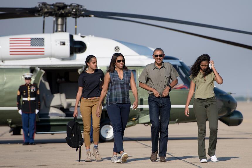 Malia Obama creció dándonos lecciones básicas de moda  GettyImages-54094...