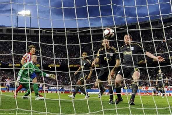 En la primera parte llegó el único gol del partido, una jugada falta de...