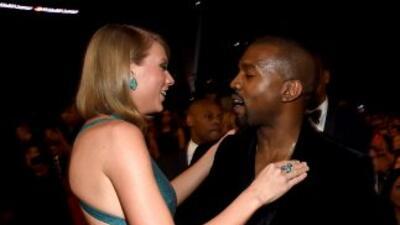 Kanye West y Taylor Swift se saludaron muy efusivos en los GRAMMY 2015.