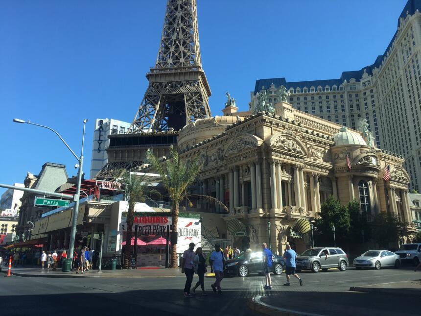 Así amanece Las Vegas un día después de la peor masacre de la historia e...