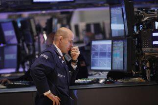 En la Bolsa de Nueva York cayeron nueve acciones por cada una que subi&o...