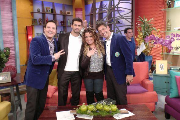 ¡Un abrazote de los Paparrines con Pedro y Ednita Nazario! Son muy...