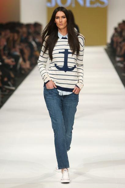 Jeans boot cut o corte clásico: Esta prenda se ha convertido en un impre...