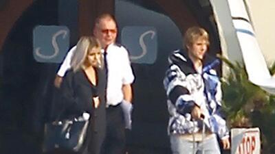 El pasado sábado, Selena Gomez y Justin Bieber tomaron un vuelo p...