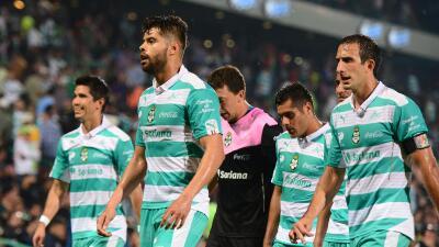 Santos probará a 4 futbolistas cubanos