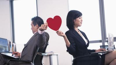 Amor y trabajo: ¿combinación explosiva? Apúntate estos consejos sobre có...