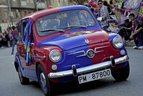 Este Fiat 500 participó en las celebraciones por el tercer título del Ba...