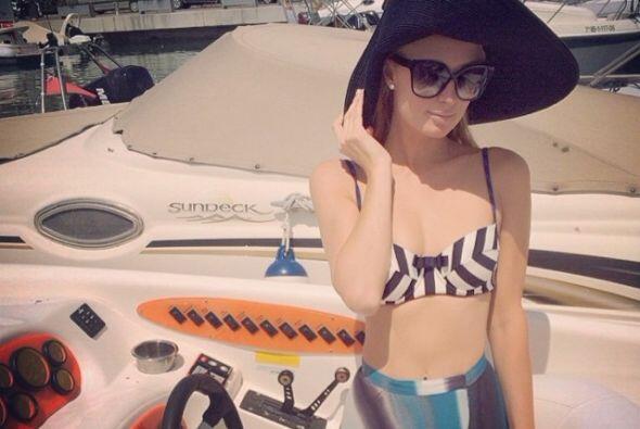 Muy coqueta con su bikini.