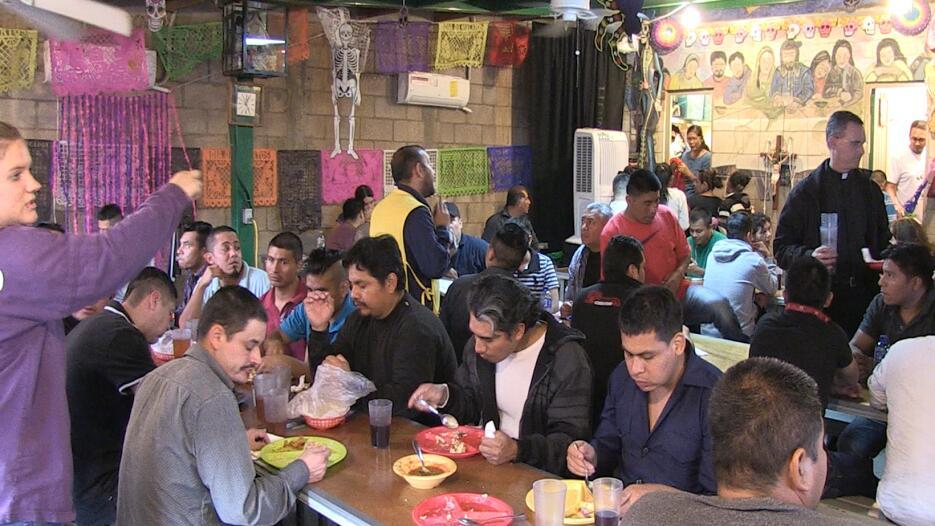 En fotos: Centro de Atención al Migrante Deportado en Nogales, México co...