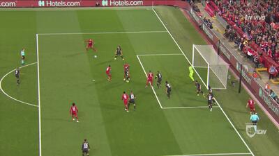¡Atajadón! Areola le quitó el primero al Liverpool