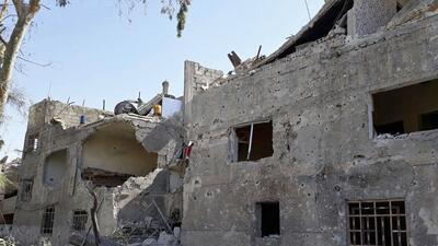 En esta imagen proporcionada por la agencia oficial siria de noticias SA...