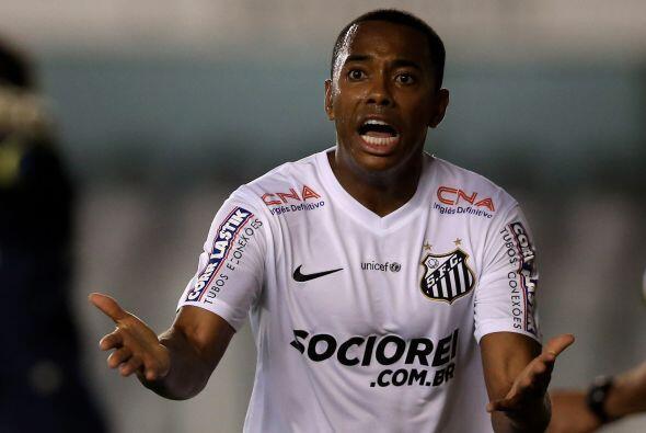 14.- Robinho. En el Santos de Brasil el salario  del delantero es e 3.1...
