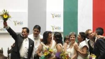 Primera boda entre dos mexicanas en Ciudad de México 7557f6bb088b47f4910...