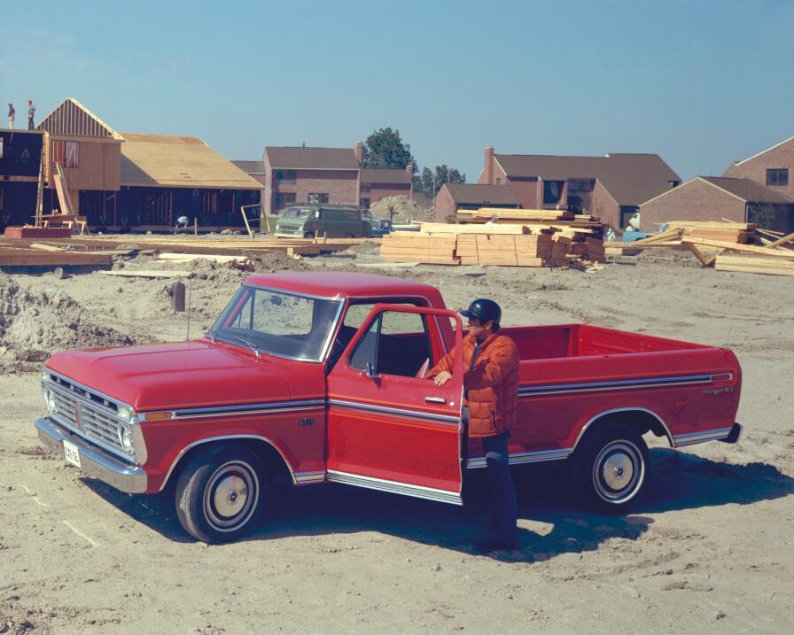 La camioneta pickup cumple su primer siglo 1975-Ford-F-150-pickup-truck-...