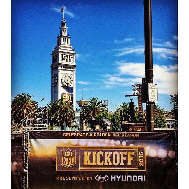 Usuarios compartieron sus fotos desde la plaza Justin Herman en San Fran...