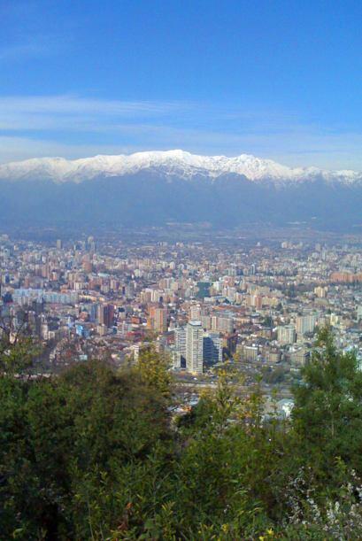 La capital chilena desde el cerro Santa Lucía Lucía en un...