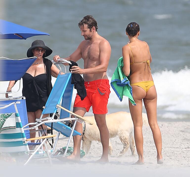 Irina Shayk ya conoce a la madre de Bradley Cooper TID_BCAISE150906_08.JPG