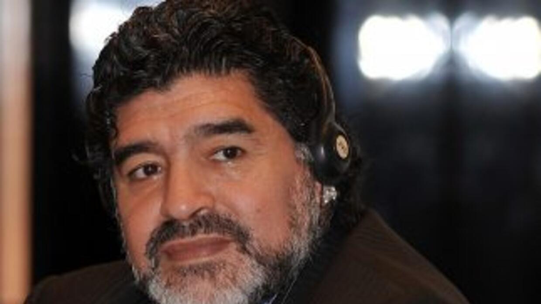Argentinos Juniors quiere a Maradona en el banquillo.