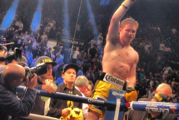 Durante 10 episodios, el boxeador dominó la pelea.