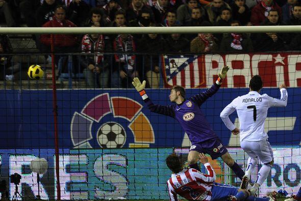 Al minuto 23, Cristiano Ronaldo hizo de las suyas.