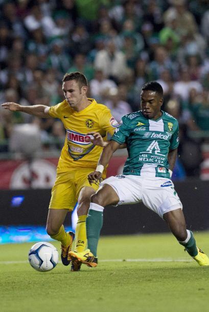 Aunque Layún y Aguilar son sus laterales predilectos, Herrera no esconde...